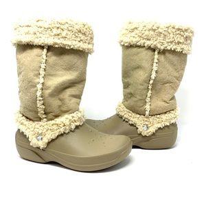 Crocs Nadia Faux Shearling snow boots size 8